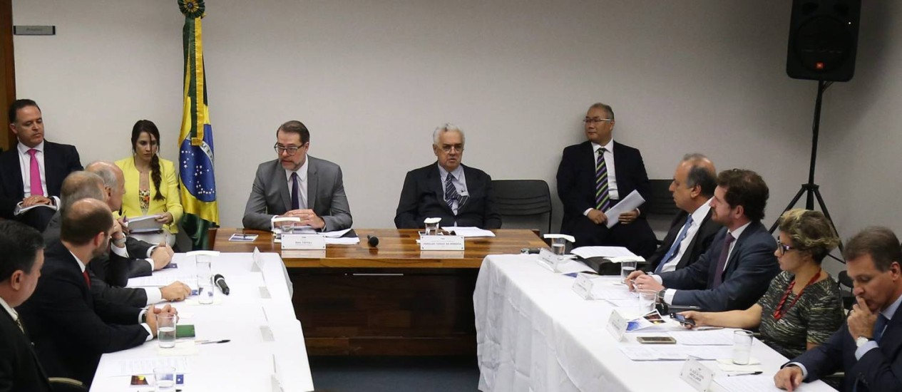 Governador Pezão e presidente do TJ do Rio, Luiz Fernando Carvalho, participam de audiência com o ministro Dias Toffoli Foto: Ailton de Freitas / O Globo