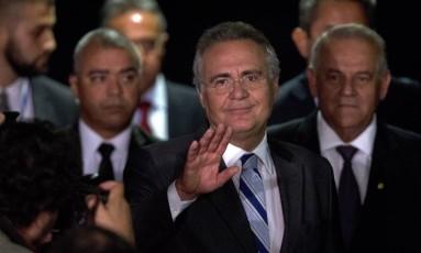 Presidente do Senado não fala com a imprensa, mas divulga nota em que diz que decisão do Supremo foi 'patriótica' Foto: Jorge William / Agência O Globo