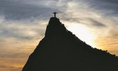 Símbolo da cidade. Arquidiocese do Rio gasta cerca de R$ 5 milhões por ano para fazer a conservação do santuário do Cristo Redentor Foto: Alexandre Cassiano / Agência O Globo