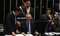 O Presidente do Senado Federal, Renan Calheiros preside sessão para discutir a PEC do teto dos Gastos Foto: Ailton de Freitas / Agência O Globo