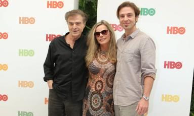 Carlos Alberto Ricelli, Bruna Lombardi e Kim Ricelli no lançamento da série, em julho Foto: Zeh Campos