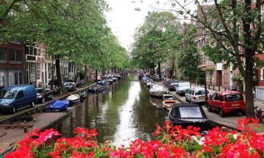Amsterdam. É possível ficar na cidade até dois dias