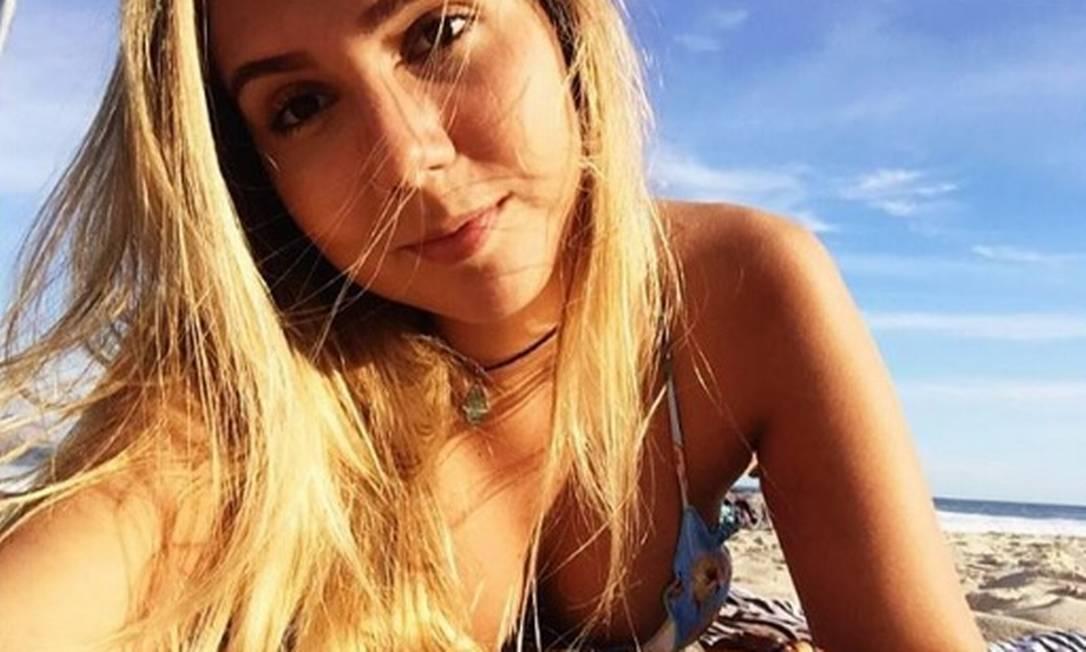 Carol Portaluppi é frequentadora da Praia de Ipanema, na Zona Sul do Rio, e curte compartilhar fotos no Instagram Reprodução