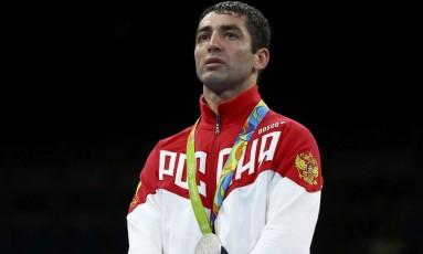 Misha Aloian com a medalha de prata no Rio-2016 Foto: Reuters