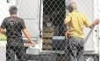 Entrega de comida em presídio: débitos fazem com que possibilidade de desabastecimento no sistema carcerário preocupe autoridades