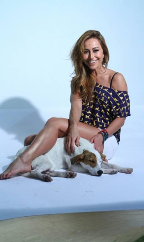 'Ando metade da casa pelada', diz a apresentadora Sabrina ...