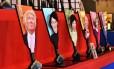 Raquetes japonesas agora ostetam rosto do presidente eleito americano Donald Trump Foto: AFP / AFP