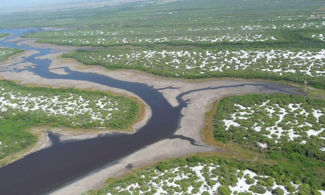 Com 18 lagoas permanentes, muitas na beira da praia, é o primeiro parque nacional em área de restinga no Brasil. Foto: ICMBio / Divulgação