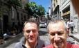 Roberto Bardella (à esquerda) e seu primo Rino Polato faziam viagem pela América do Sul Foto: Reprodução/Facebook