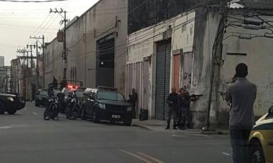 PMs do Batalhão de Choque reforçam a segurança no Morro da Providência Foto: Foto de leitor