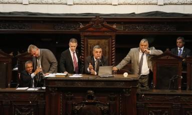 Sessão na Alerj na última quarta-feira para votar parte do pacote de ajustes fiscais propostos pelo governo do estado Foto: Pablo Jacob / Agência O Globo