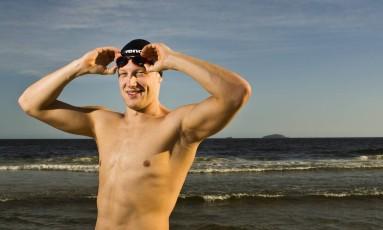 Sentindo-se em casa. O holandês Ferry Weertman, que foi campeão olímpico na maratona aquática dos Jogos Olímpicos do Rio, vem pela quarta vez à cidade para disputar o Rei e Rainha do Mar, hoje, às 11h, na Praia de Copacabana Foto: Mônica imbuzeiro