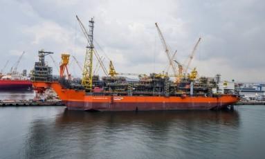 De Cingapura. Navio-plataforma Pioneiro de Libra: unidade que será usada no pré-sal foi construída no exterior Foto: Divulgação