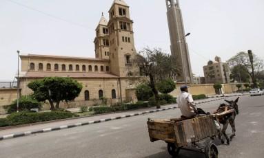 A área da catedral cristã copta de Cairo onde foi registrado ataque Foto: Amr Dalsh / REUTERS
