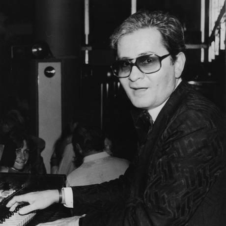 Rei dos bailes. Ed Lincoln em ação, em 1982: Foto: Arquivo