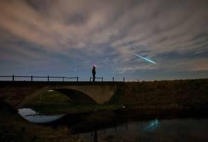 Meteoro passando no céu durante a Geminidas de 2014 Foto: Divulgação