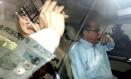 O presidente do Tribunal de Contas do Estado do Rio (TCE-RJ), Jonas Lopes de Carvalho,deixa a sede da Polícia Federal depois de prestar depoimento Foto: Domingos Peixoto/ Agência O Globo