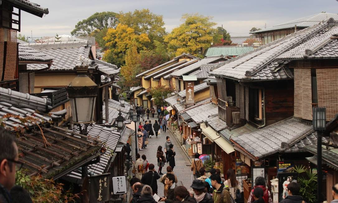 O bairro histórico de Higashiyama, em Kioto Foto: Léa Cristina / Agência O Globo