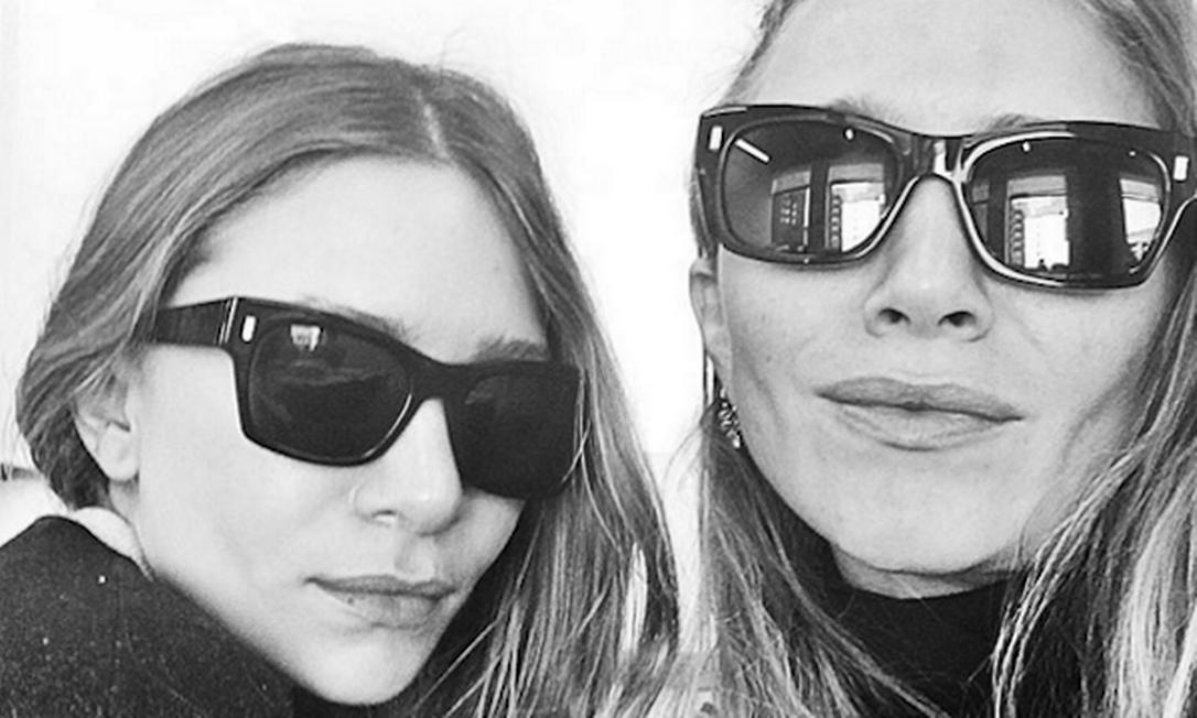 As irmãs fashionistas Mary Kate e Ashley Olsen, nomes por trás da The Row, ficaram com a segunda colocação do ranking de estilistas mais buscadas de 2016 Instagram