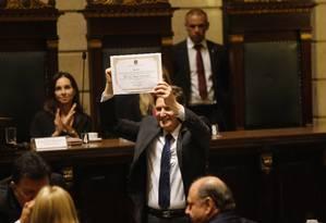 Diplomação de Marcelo Crivella na Câmara de Vereadores do Rio Foto: Gabriel de Paiva / Agência O Globo