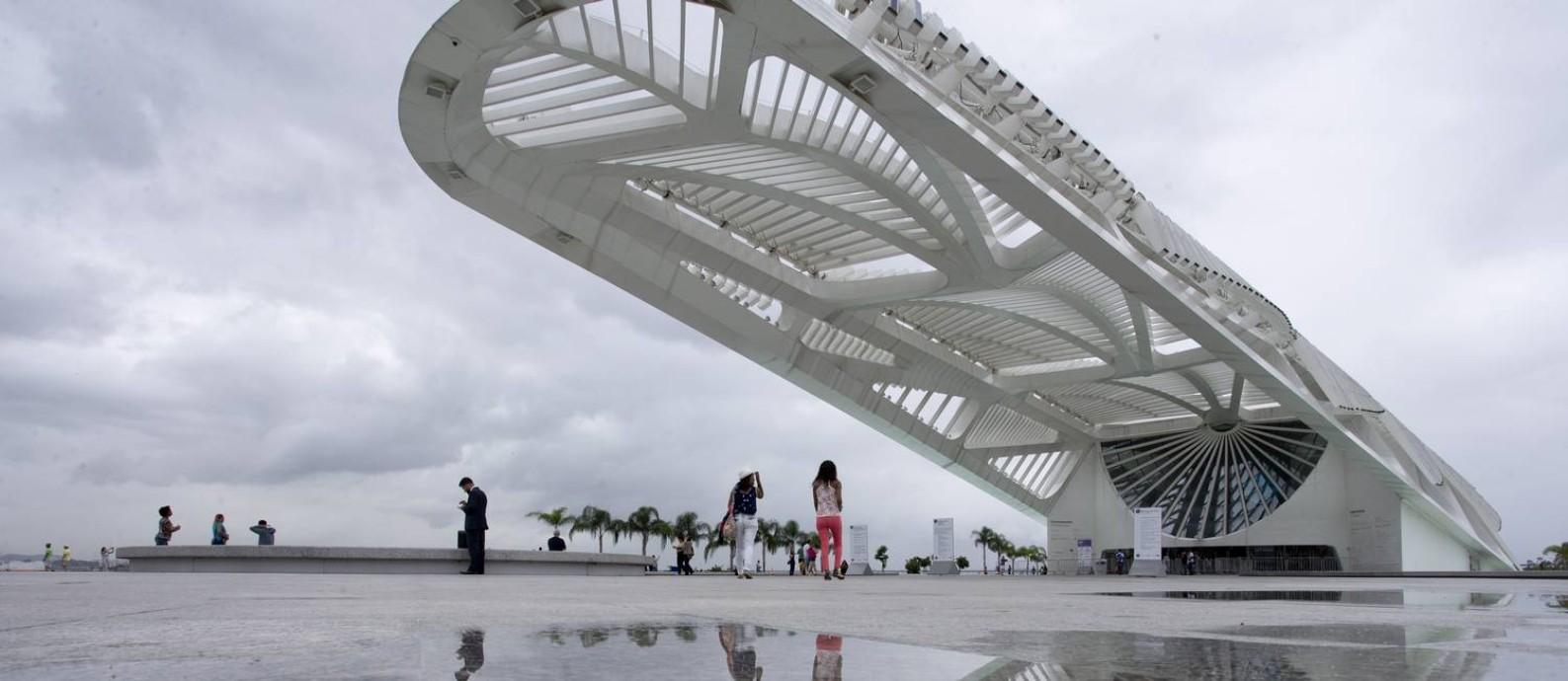 O projeto arrojado do museu é do arquiteto espanhol Santiago Calatrava. Sua forma é inspirada nas bromélias do Jardim Botânico Foto: Márcia Foletto / O Globo