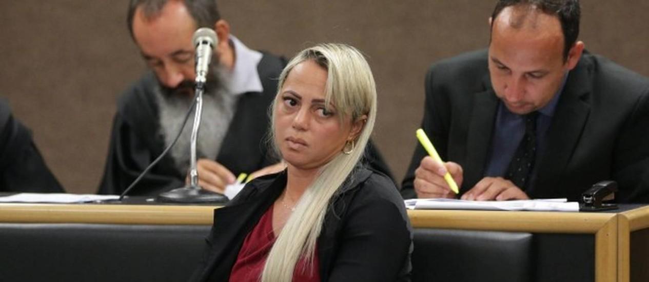 Adriana Ferreira Almeida durante seu julgamento Foto: Márcio Alves / Agência O Globo