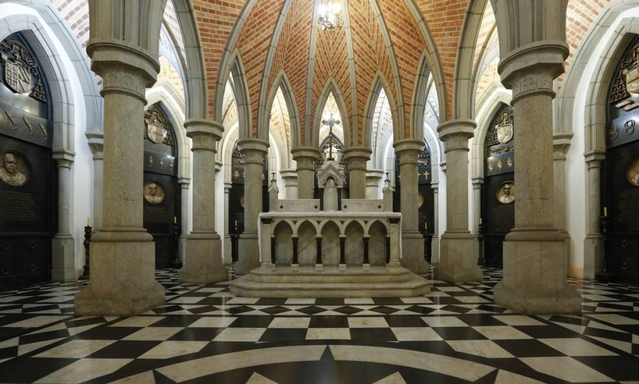 O corpo de Dom Paulo será sepultado nesta cripta, no interior da catedral Foto: Edilson Dantas / Agência O Globo