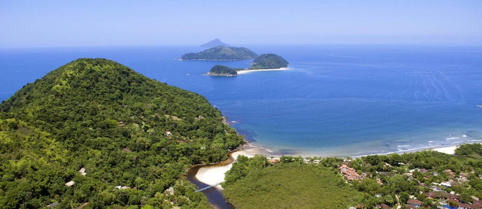 Litoral. Na ponta da praia da Barra do Sahy, a foz do rio encontra o mar Foto: Instituto Conservação Costeira/Divulgação