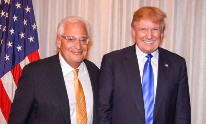 Trump e David Friedman posam juntos: advogado radical será embaixador em Israel Foto: Divulgação