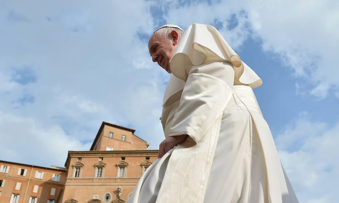 Papa Francisco tem encampado medidas polêmicas como incentivo à reinserção de divorciados na Igreja e o perdão às mulheres que praticaram aborto VINCENZO PINTO / AFP