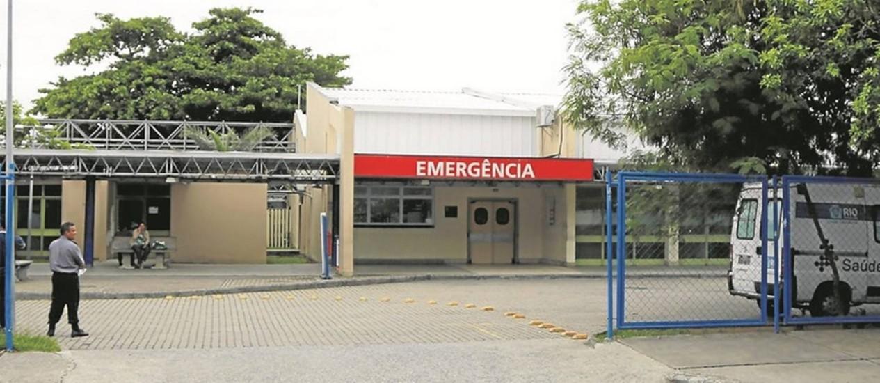 Precariedade. O Lourenço Jorge, único hospital público da Barra da Tijuca com emergência: pacientes sofrem por causa dos aparelhos quebrados na unidade Foto: Fabio Rossi/15-12-2016