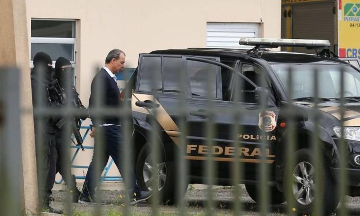 Cabral é transferido de volta para prisão no Rio de Janeiro Foto: Geraldo Bubniak