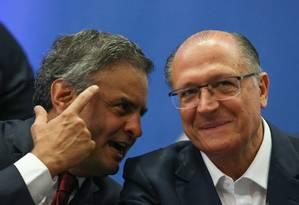 O senador Aécio Neves e o governador Geraldo Alckmin Foto: André Coelho/ Agência O Globo