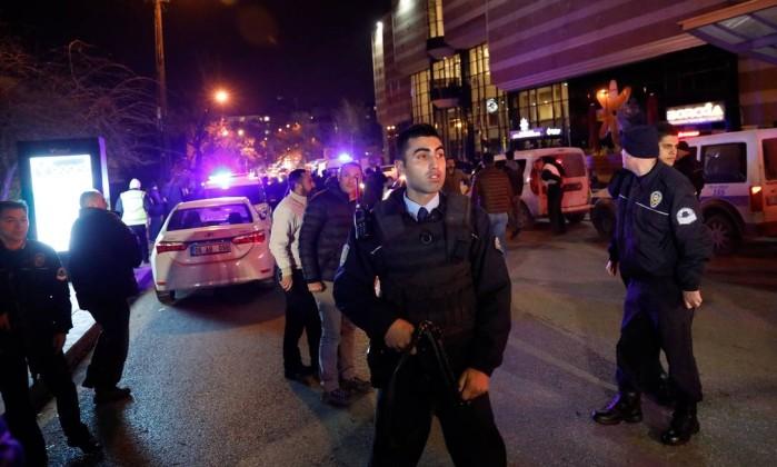 turkey_06 Vídeo mostra morte de embaixador em atentado na Turquia