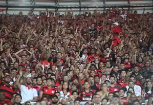 A torcida do Flamengo no Maracanã. Clube diz que não jogará no estádio se empresas 'hostis' cuidarem do estádio Foto: Gilvan de Souza / Flamengo