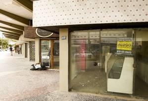 18 lojas fecharam no Condomínio de Cascais durante as obras do metrô Foto: Guilherme Leporace / Agência O Globo