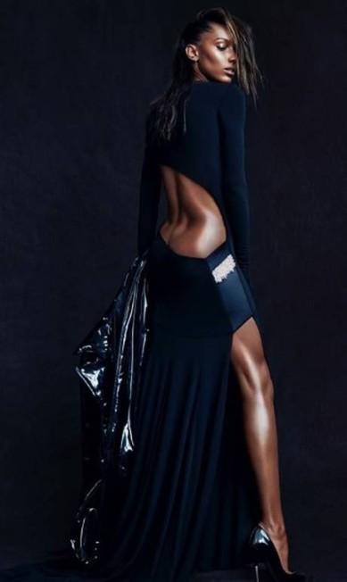 Jasmine revela parte do bumbum: curvas perfeitas Reprodução Instagram