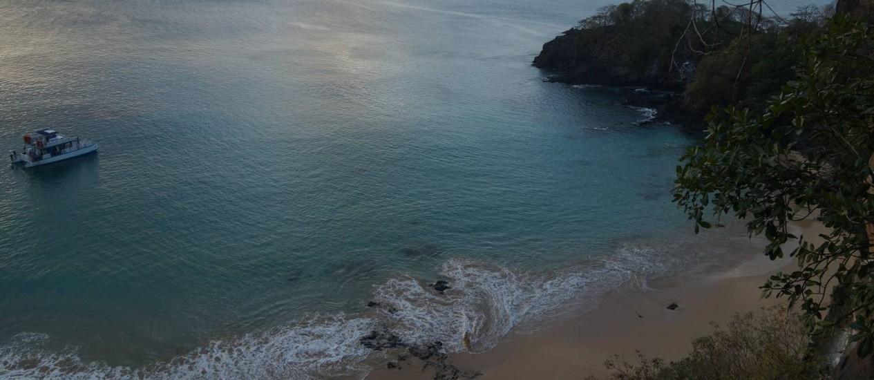 Baía do Sancho, vista do mirante, Fernando de Noronha. Em 27/09/2016 Foto: Fotos de Élcio Braga
