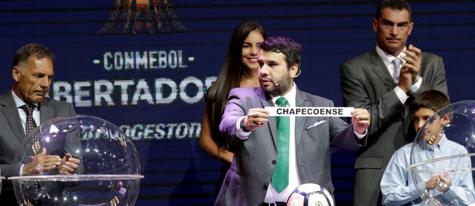 Chapecoense caiu no Grupo 7, com Nacional (URU), Lanús (ARG) e um adversário a definir Foto: JORGE ADORNO / REUTERS