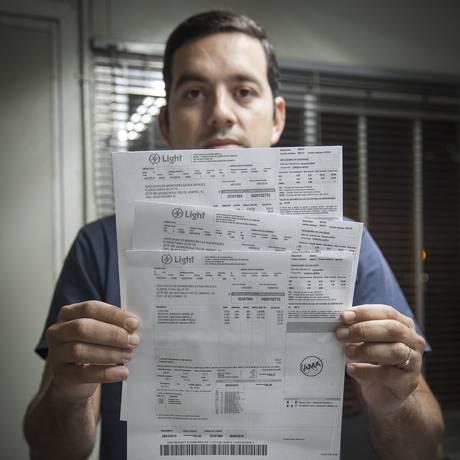 Endividamento caiu mesmo com a queda na inflação Foto: Agência O Globo