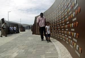O Muro dos Campeões apresenta réplicas das medalhas e seus vencedores na Rio 2016 Foto: Gabriel de Paiva / Agência O Globo