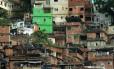 Crescimento desordenado. Favela da Rocinha, no Rio: governo nega que MP aumentará verticalização nas cidades