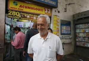 """Macir Alves. """"Iria ajudar uma igreja. Montaria um asilo para idosos"""" Foto: Domingos Peixoto"""
