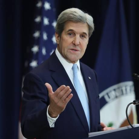 Secretário de Estado, John Kerry, discursa sobre conflito entre Israel e palestinos no Departamento de Estado, em Washington Foto: Andrew Harnik / AP