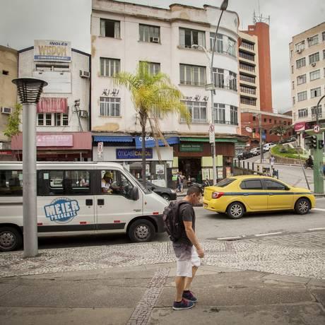 Carro da Operação Méier Presente na Rua Dias da Cruz: dados internos da polícia mostram que houve redução da criminalidade na área do bairro patrulhada Foto: Analice Paron / Agência O Globo