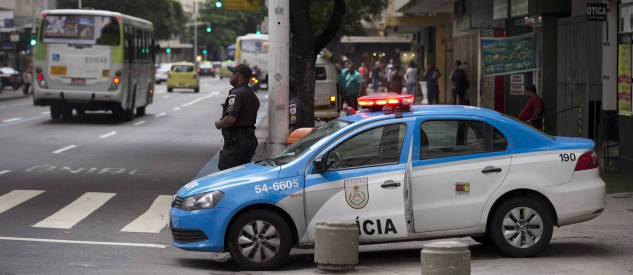 Policiamento em Copacabana na noite de Réveillon contará com1.910 policiais Foto: Márcia Foletto / Agência O Globo