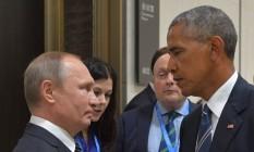 Presidente russo, Vladimir Putin (à esq.), em encontro com o presidente americano, Barack Obama, à margem da cúpula do G20 em Hangzhou, na China, em 5 de setembro de 2016 Foto: ALEXEI DRUZHININ / AFP