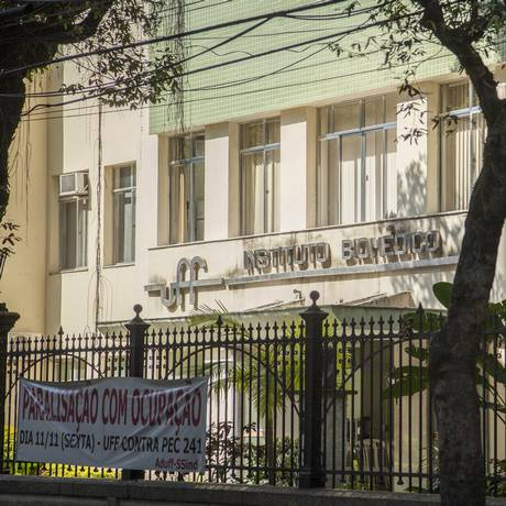 Emenda de Chico D'Angelo destina R$ 250 mil para o Laboratório Escola de Análises Clínicas Foto: Analice Paron / Agência O Globo