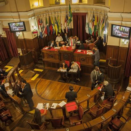 Na ultima sessão do ano, vereadores aprovaram orçamento e medidas de ajuste fiscal Foto: Analice Paron / Agência O Globo