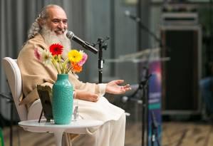 """O guru diz que, em tempos difíceis, devemos encontrar a calma """"cultivando o silêncio"""" pelo menos uma vez por dia Foto: Rubens Nemitz Jr / Divulgação"""